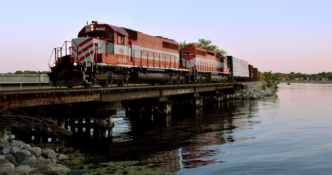 Wisconsin & Southern train crosses Monona Bay